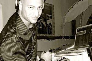 DJ SH